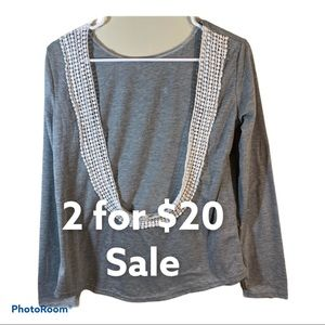Gray Scoop neck lace on neck long sleeve Size L